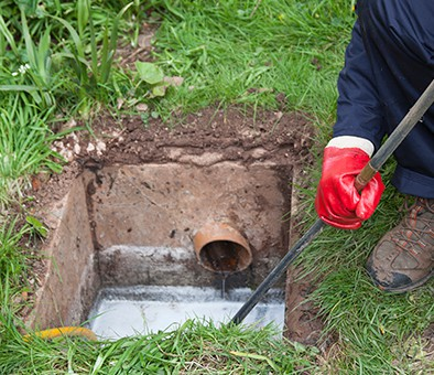 sewer cleaning contractor